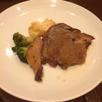 70543009 - バール定食ランチのお肉、ポーク