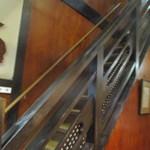 五平田・蔵 - 内観2 2階席もあり、エレベーターで料理をリフトも配膳はホールさんの階段昇り降り~お疲れ様です。