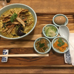 箸とレンゲ - 「ぶどう山椒の麻婆麺 S」700円+「Aセット」300円