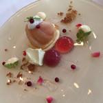 リストランテ ウミリア - 桃のセミフレッドと軽いカスタードのマリアージュ