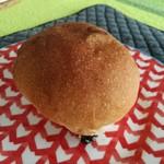 松ぼっくるり - 2017年4月:ぶどうパン?カレーパン?(\180)