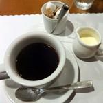 シェ・キクスイ - 食後のコーヒー