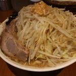 ぽっぽっ屋 - らーめん(野菜多め+ニンニクで720円、斜め上から)