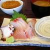酔って家 - 料理写真:日替り定食。刺身とコロッケ