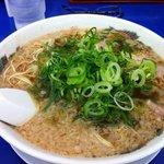 ラーメン 来来亭  - 料理写真:ラーメン大盛750円(麺堅め・ネギ多め)