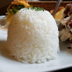 唐揚げ&ワッフル アモール - 山型ご飯です。