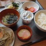 70563015 - 朝食の一例、和