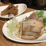 麺肴 ひづき - メンマ、チャーシュー