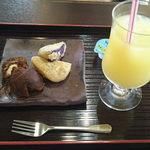 レストラン首里杜 - 料理写真:デザートセット(あんだぎー&パイセット)