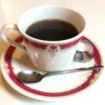 玉一総本店 - ホットコーヒー。前回同様、ノリタケのボーンチャイナ。