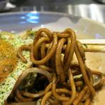 テッパンキッチン ヒロオ - 茹でたて生麺のモチモチ食感が素晴らしい