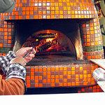 ボッケーノ - 車内の石窯で焼いてくれます