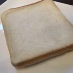 ビッグバン - 食パンの耳はサービス