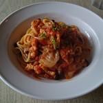 オーブ レストランカフェ - 海鮮のトマトソースパスタ