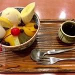 村上屋 - 蜜は、黒蜜・白蜜・抹茶蜜から選べます。