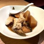 うどん居酒屋 武蔵野 はせがわ - ぶりカマな大根煮(750円)