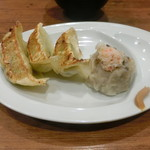 MADE IN JAPAN かにチャーハンの店 - エビ中華マヨチャーハン+Cセット(野菜餃子3個とカニ焼売1個)