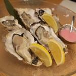 新潟・佐渡島 両津港直送 土風炉 - せんぼうしの生牡蠣