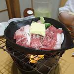 車屋・源氏 - 宗谷黒牛の鉄板焼