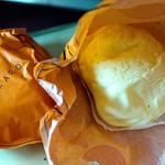 北菓楼 - ちぎりシュー「ピスコット」  もちもちしたほんのりチーズ味もする塩気がある生地。