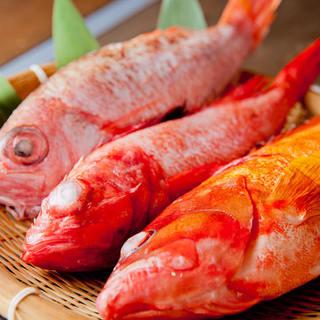 【厳選食材】選りすぐりの神戸牛や昼網鮮魚を提供