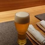 粋・丸新 - ビール 小。