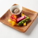 コンビーフと野菜スティック