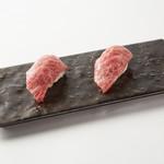 短角牛肉寿司(2貫)
