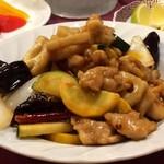 三鶴 - 鶏肉の湖南風辛味炒め