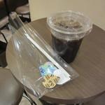 炭火焙煎珈琲 凛 - アイスコーヒー 390円
