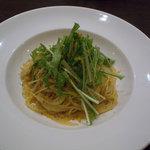7059651 - カラスミと水菜のガーリックスパゲティー_2011-03-04