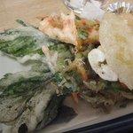 善福寺そば処 - 定食の天ぷら。