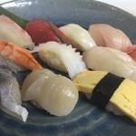 とれとれ海鮮 浜の大将 - 料理写真:大将のにぎり寿司