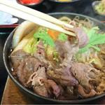 すき焼 加茂川 - お肉も十分満足