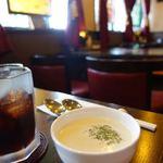 キネマ座 - セットのドリンクとスープ