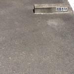 70597228 - 駐車場(車止めに書いてあります)