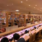 回転寿司すしえもん - 回転寿司すしえもん 宇和島本店(愛媛県宇和島市弁天町)店内