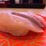 回転寿司すしえもん - 回転寿司すしえもん 宇和島本店(愛媛県宇和島市弁天町)鰤二郎握り