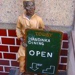 MANDINKA DINING - OPENしてるかどうかはこちらで確認♪