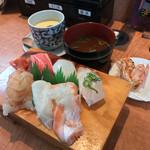 70600981 - 回転寿司しんせんや(愛媛県松山市春美町)大漁おおみ 998円