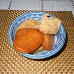 橋本食堂 - 小鉢(鳥肉、がんもどき、さつまあげ)