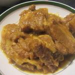 ミンガラバー - 皮付き豚肉のスパイシー煮込み
