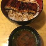 70609506 - 鰻丼☆★★☆赤出汁