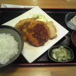 キャロット - 2011/03/05 本日のランチ メンチカツ&春巻&アジフライ 800円