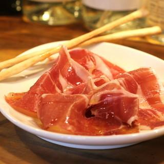 こだわりの食材を使用したシンプルながらも味わい深いイタリアン