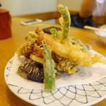 昇月庵 - 天ぷら盛り合わせ、海老2本