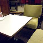 喫茶室ルノアール - 4席限定、のんびりソファ席。