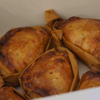 ナカヤ - 料理写真:焼きたてアップルパイ