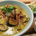 箸とレンゲ - ぶどう山椒の麻婆麺・Aセット 1080円