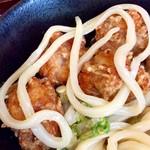 讃岐屋 雅次郎 - 麺1本分を露出させてみた。約80cmもあった。